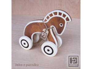 konicek-dreveny-pernicek